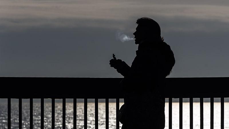 vape tanpa nikotin - pria